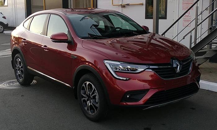 В России стартовали продажи купе-кроссовера Renault Arkana